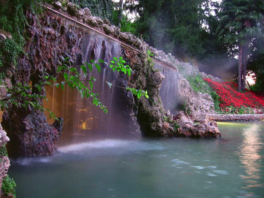 Villa dei Cedri- grotta alimentata con acqua termale