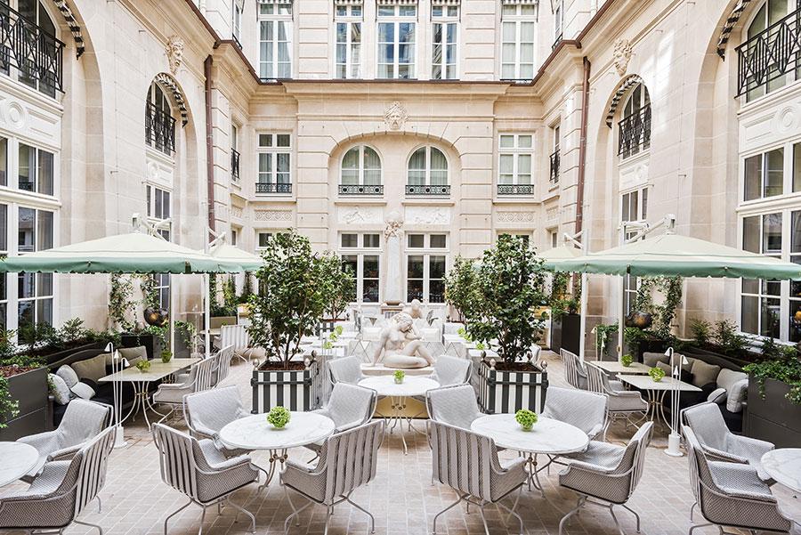 Hotel-De-Crillon-Parigi_Cour-d-honneur