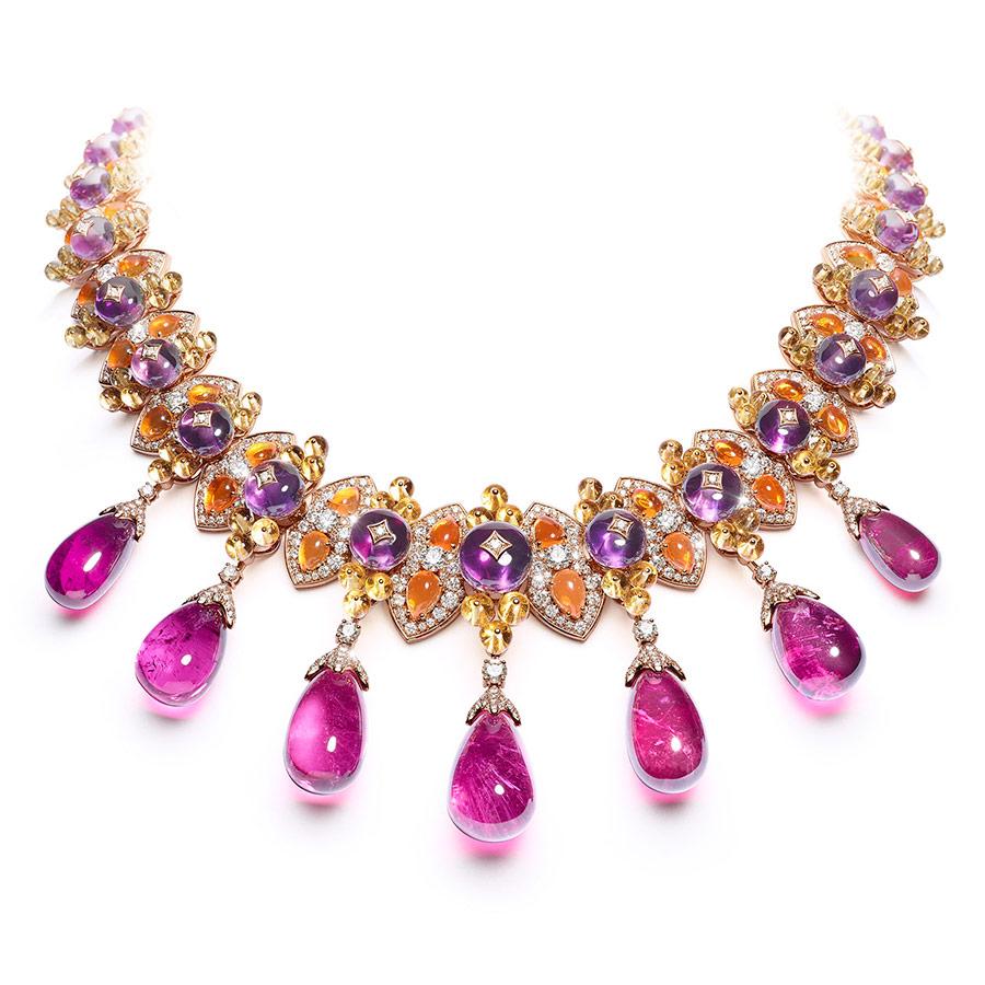 Alta Gioielleria: Giampiero Bodino – Mediterranea - Collezione di alta gioielleria – Collana Barocco in oro rosa, sette rubelliti (169,88 cts), ametiste, opali di fuoco, berilli gialli, diamanti.