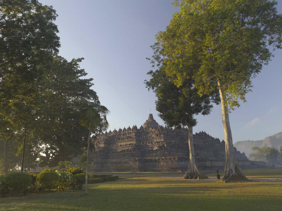 Amanjiwo Resort - isola di Java - Veduta sul tempio di Borobudur