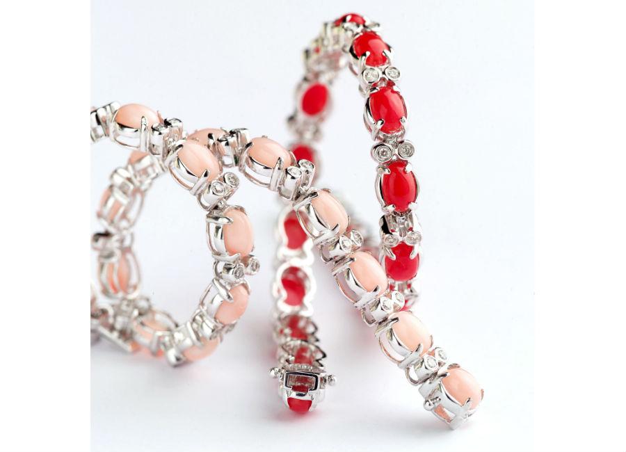 Enzo Liverino - Bracciali Tennis, della collezione Liverino, in corallo rosso e corallo bianco rosa, montati in oro bianco e diamanti.