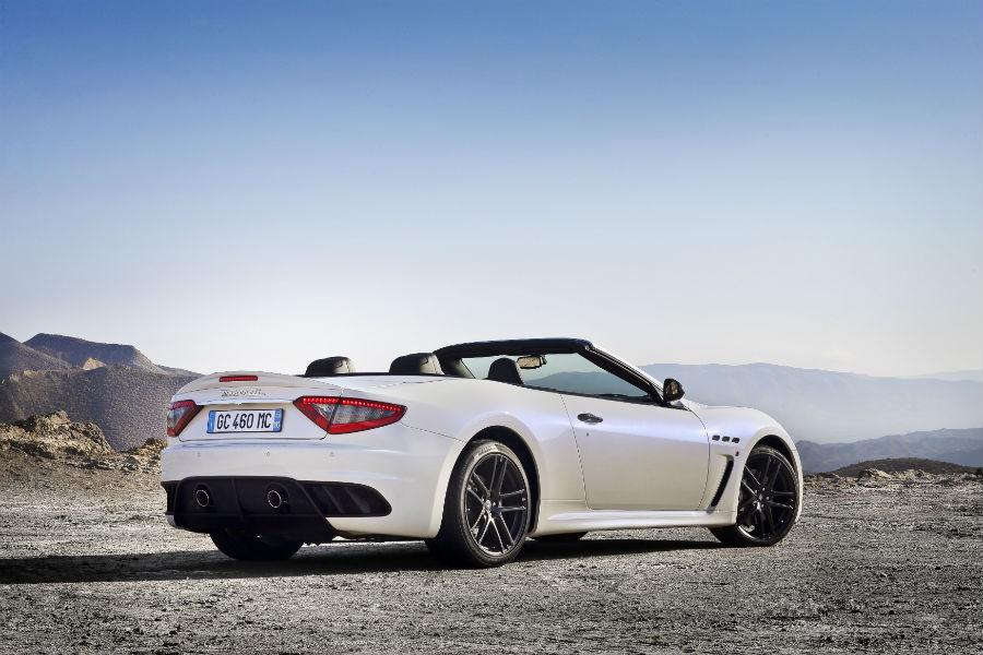 Maserati Grancabrio MC - automobile vista posteriore