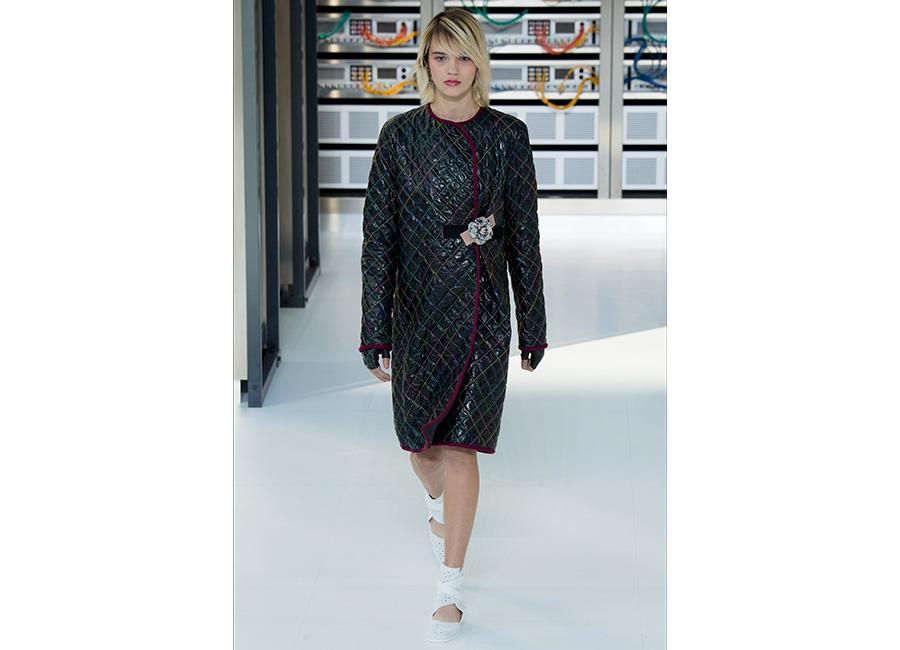 Moda Futurista - immagini di sfilata di Chanel