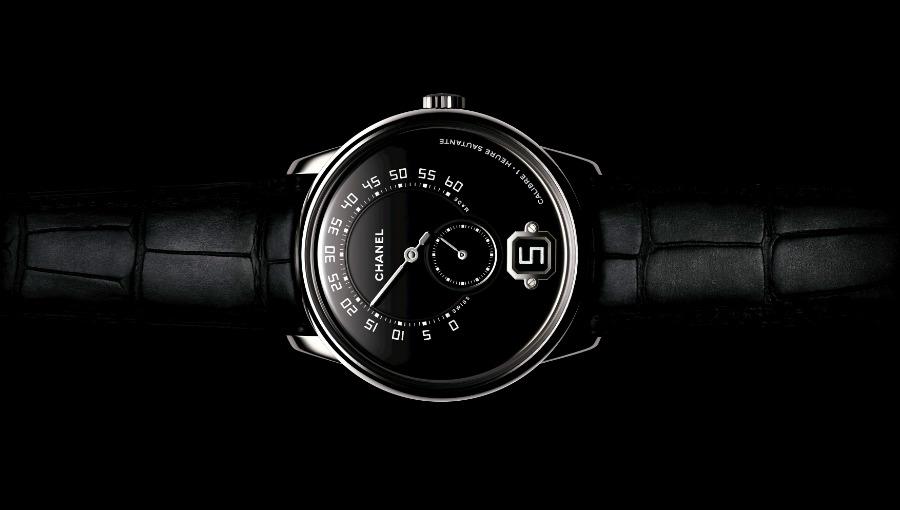 Monsieur de Chanel – movimento meccanico a carica manuale Calibro 1 di manifattura – riserva di carica di 3 giorni – cassa da 40 mm in platino – cinturino nero in alligatore – edizione limitata a 100 esemplari.