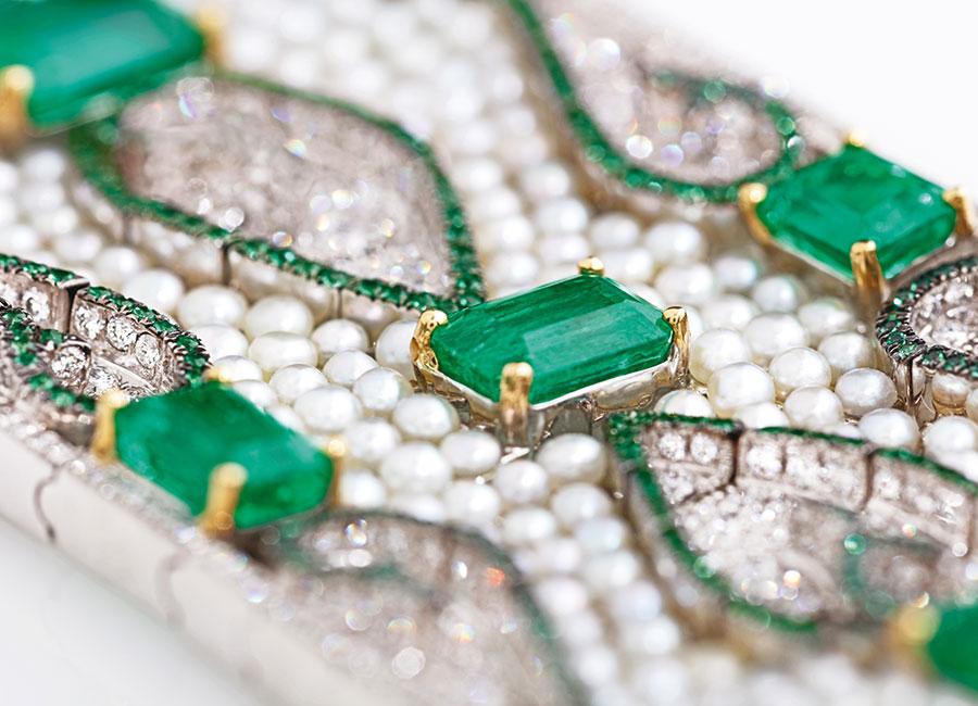 Nirav Modi - Bracelet Emerald Carpet