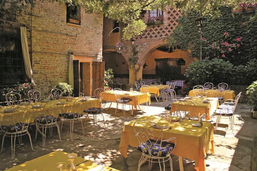 Castello di Rivalta - Antica Locanda del Falco - giardino esterno