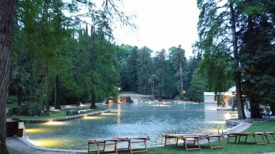 Villa dei Cedri: Porzione laterale del Lago Principale