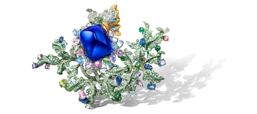 Anna Hu - Athena Siren Aria - Spilla trasformabile in pendente in titanio con una tanzanite di 102.15 cts, zaffiri rosa multicolore, tormaline verdi e paraiba, pietre di luna, peridoti, smeraldi diamanti gialli, diamanti taglio a rosa e a pera, brillanti (14.61 cts).