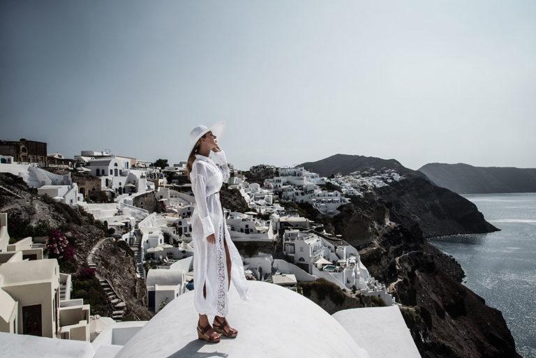 Immagine di Fzero Photographers - doona indossa un caftano bianco