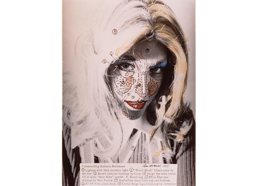 Donna - Fotografia dalla mostra Woman: The Feminist Avant-Garde of the 1970s - Lynn Hershman LeesonRoberta Construction Chart #1, 1975 C-Print© Lynn Hershman Leeson SAMMLUNG VERBUND, Wien