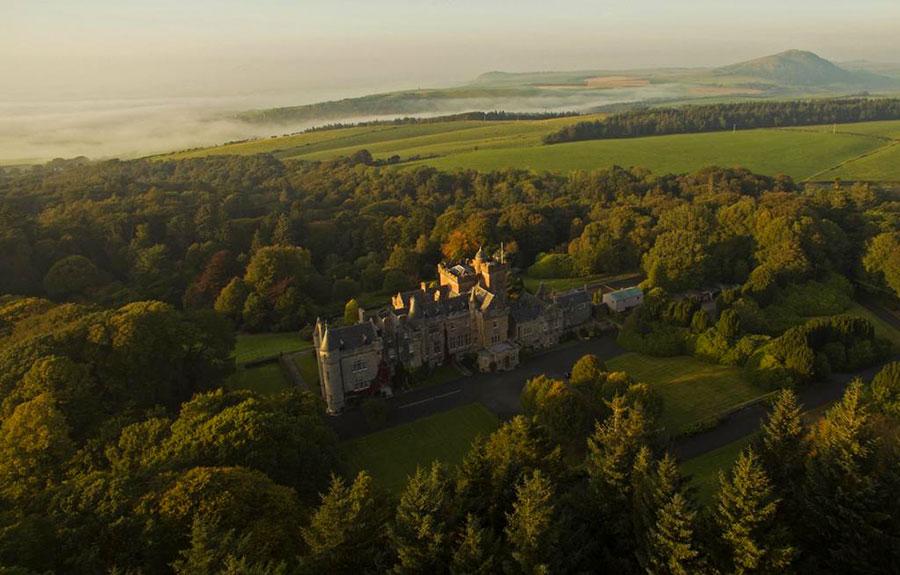 Glenapp Castle - Veduta generale del Castello e del suo Parco