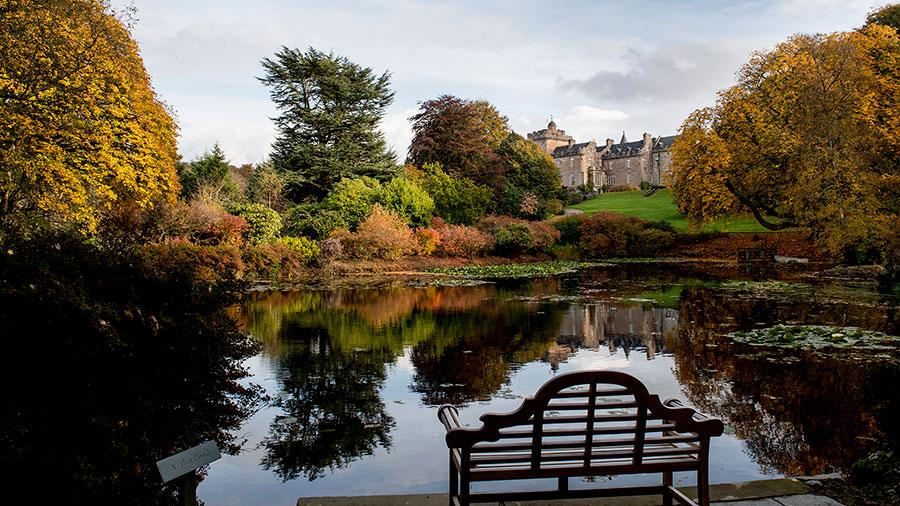 Glenapp Castle - Veduta del Castello dal Parco