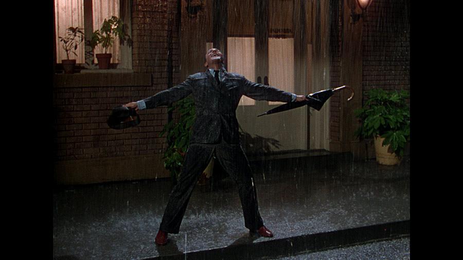 raincoat-Gene-Kelly-Singin-in-the-rain