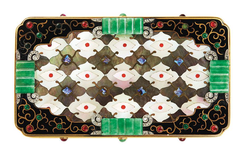 Christie's Beyond Boundaries - Magnificent Jewels from a European Collection – Lotto n. 81 - Firmato Van Cleef & Arpels, con il marchio del produttore per Strauss, Allard e Meyer, n. 28937 (cassa) e 7240 (porta rossetto).