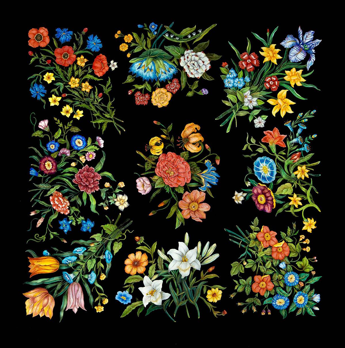 """Piano di tavolo intarsiato in scagliola su ardesia """"Disegno Flowers"""". Il motivo decorativo è liberamente ispirato al famoso foulard """"Flora"""" della maison Gucci. © Bianco Bianchi"""