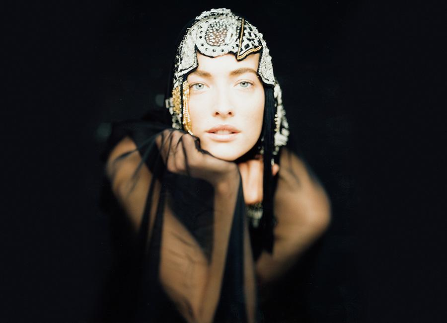 Gianni Versace - Vogue Spagna, 1990 - Tatjana Patitz - credits Giovanni Gastel