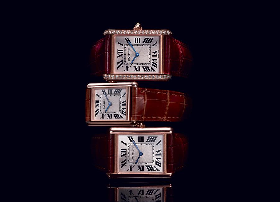 Tank Louis Cartier, modello grande in oro rosa ornato di diamanti taglio brillante, modello piccolo e grande in oro rosa. Movimento meccanico a carica manuale - 8971 MC.