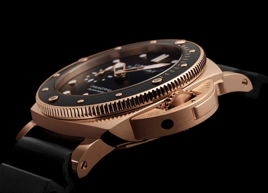 LUMINOR SUBMERSIBLE 1950 - 3 DAYS AUTOMATIC ORO ROSSO – 42mm - Movimento Meccanico a carica automatica, calibro P.9010, interamente realizzato da Panerai. Funzioni Ore, minuti, piccoli secondi, data, calcolo dei tempi di immersione. Cassa 42 mm, in oro rosso lucido 18 ct. Quadrante Nero con indici luminescenti applicati. Data alle ore 3, secondi alle ore 9. Riserva Di Carica 72 ore. Impermeabilità 10 bar (~100 metri).