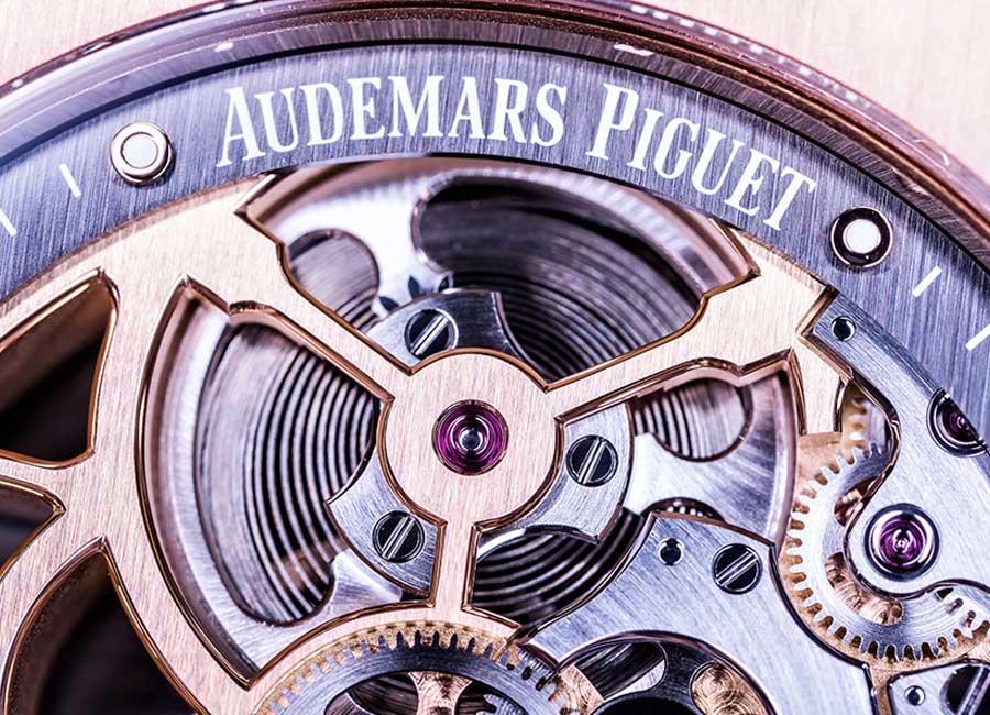 Nella foto un dettaglio di un movimento di Audemars Piguet in tutta la bellezza delle sue rifiniture. Photo @TheDucker
