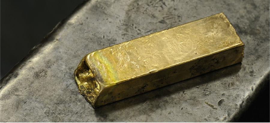 François-Paul Journe - Vagabondage III: Un lingotto d'oro, materiale simbolo di F.P. Journe – Invenit et Fecit. Proprio in oro sono realizzati infatti tutti i movimenti dei suoi orologi, metallo nobile, immune ai campi magnetici e al passare del tempo.