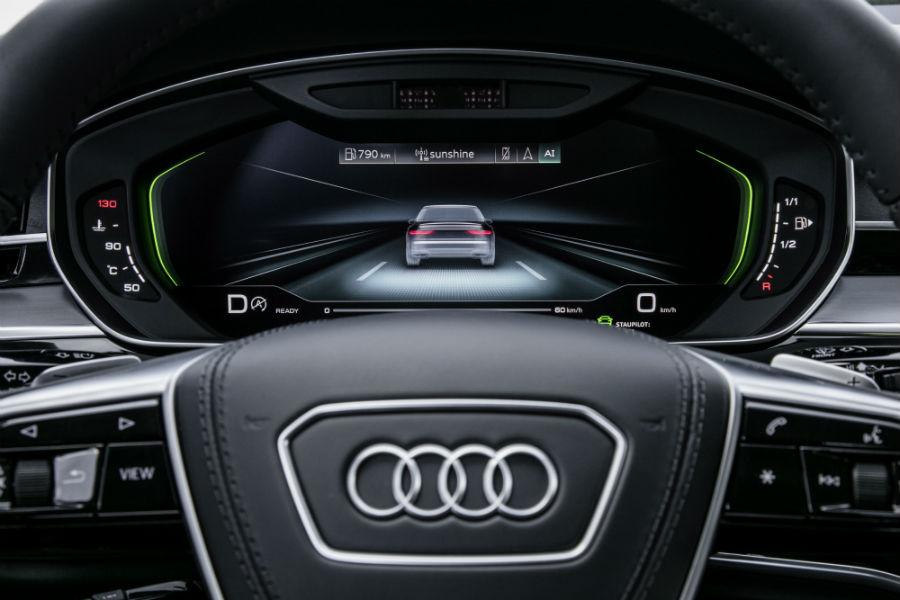 Audi A8 - vista plancia volante