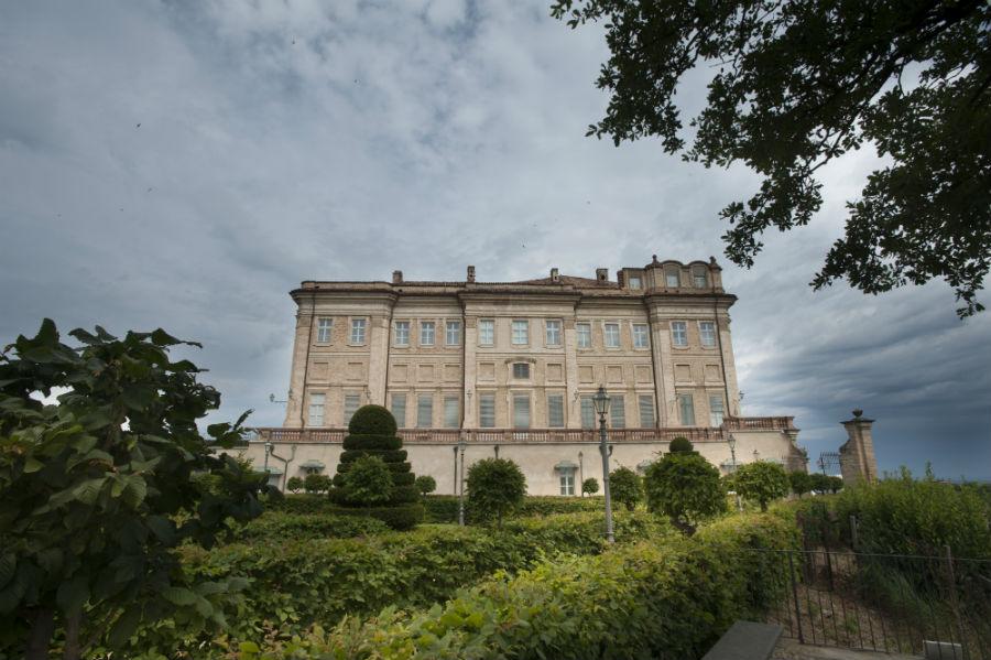 Castello di Guarene - facciata principale