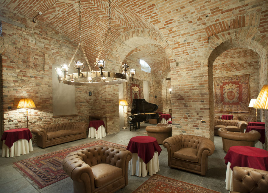 Castello di Guarene - hall
