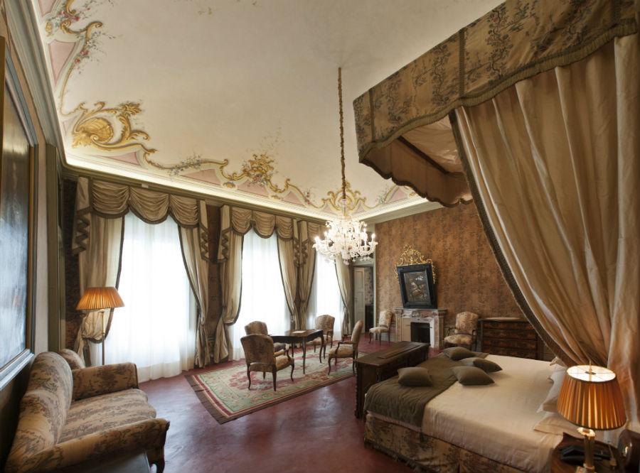 Castello di Guarene - Suite Gabriella Caresana di Carisio