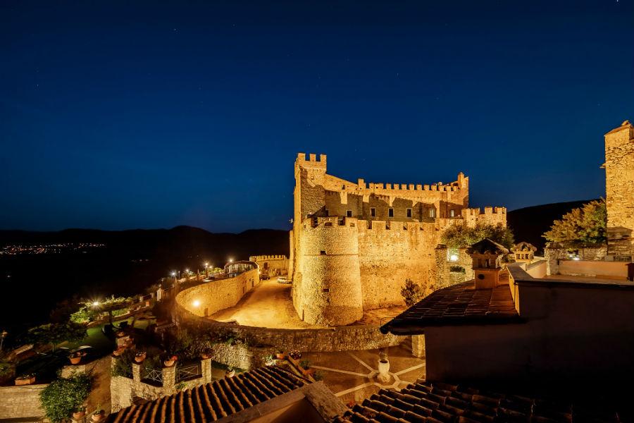Castello Orsini di Nerola - veduta notturna