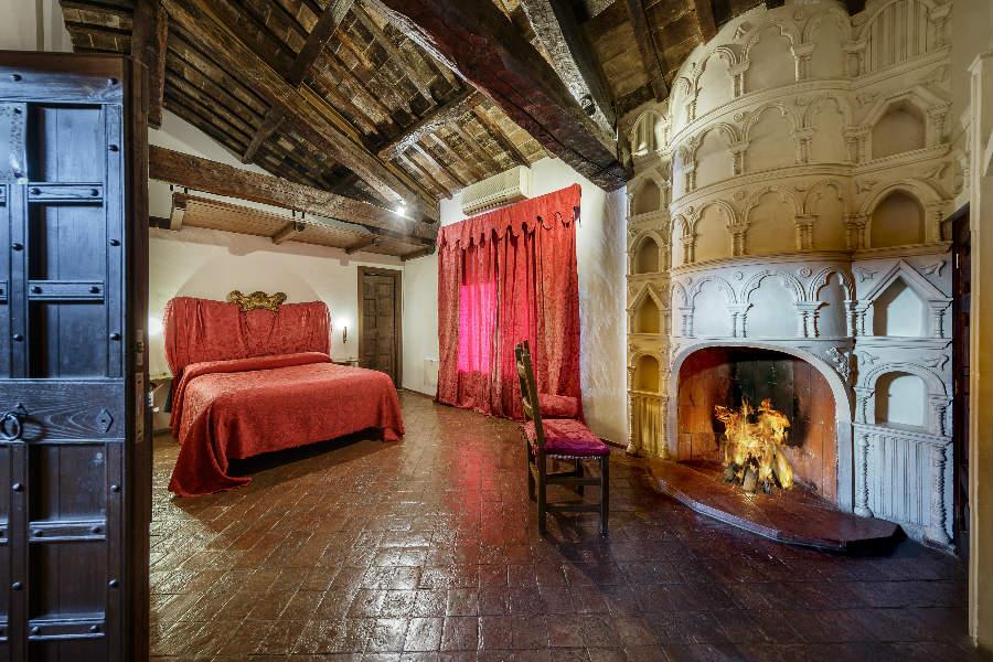 Castello Orsini di Nerola - le scuderie, superior room