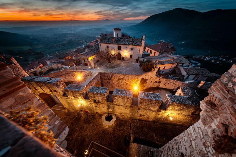 Castello Orsini di Nerola - Vista dal Castello verso Le Scuderie e borgo sottostante
