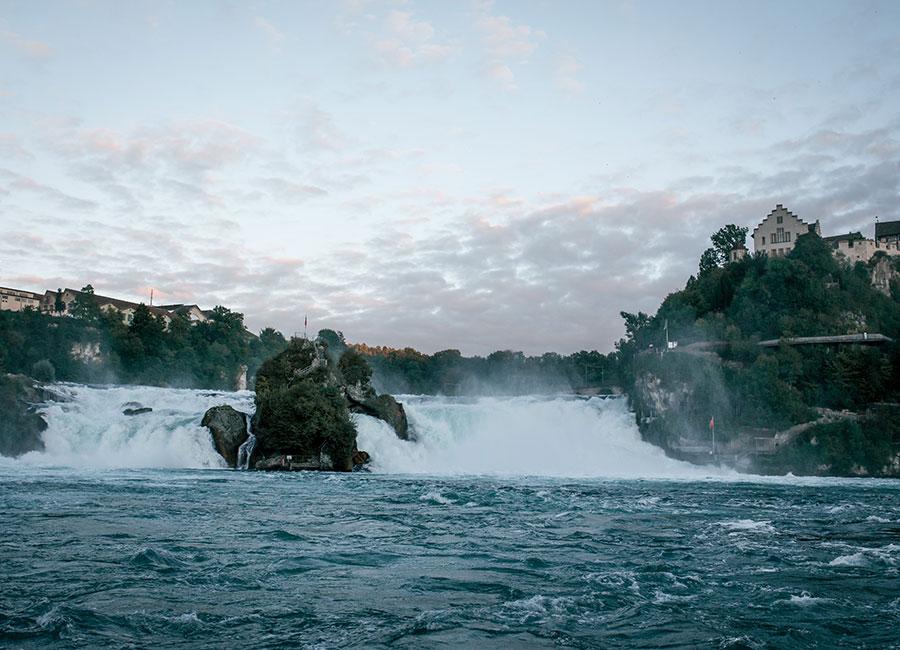 Manifattura IWC di Schaffhausen - immagine del fiume Reno