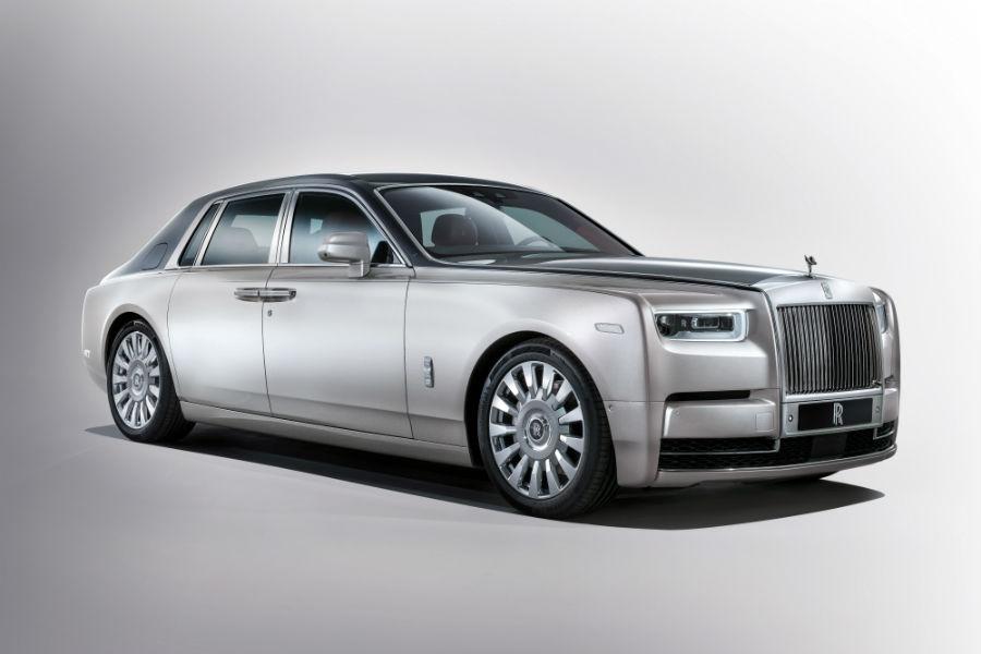 Rolls-Royce, modello Phantom grigia
