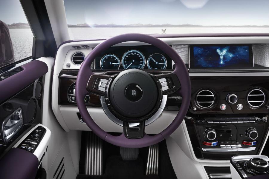 Rolls-Royce Phantom - Postazione di guida