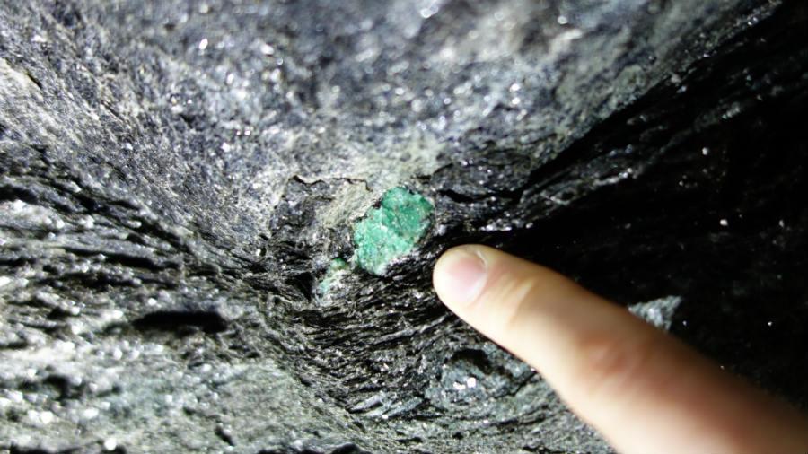 Smeraldi: Gübelin - Smeraldi nella roccia incassante