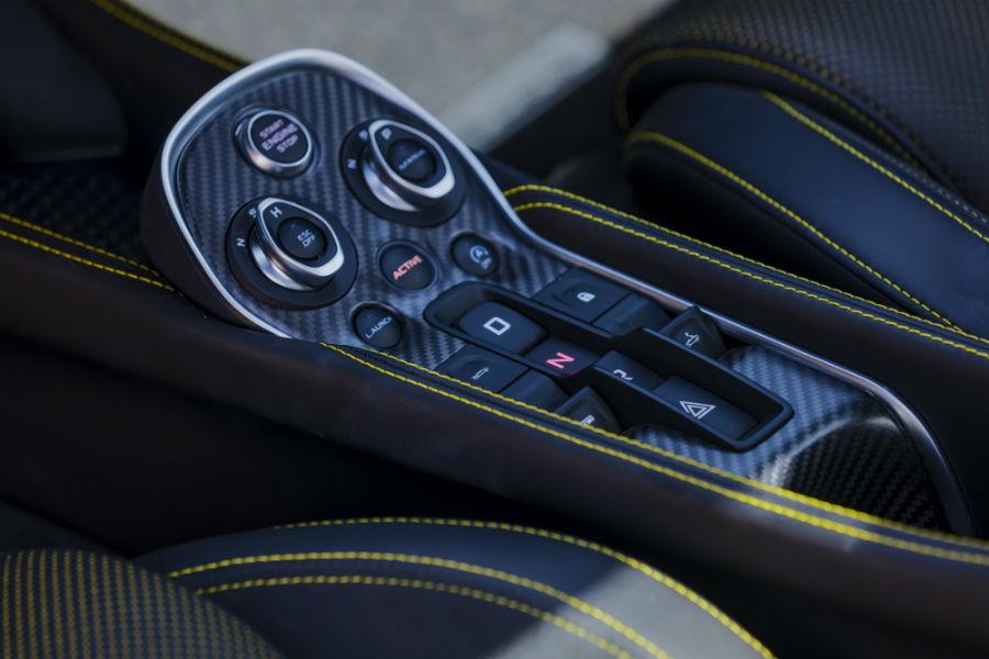 McLaren 570S Spider - dettaglio interni