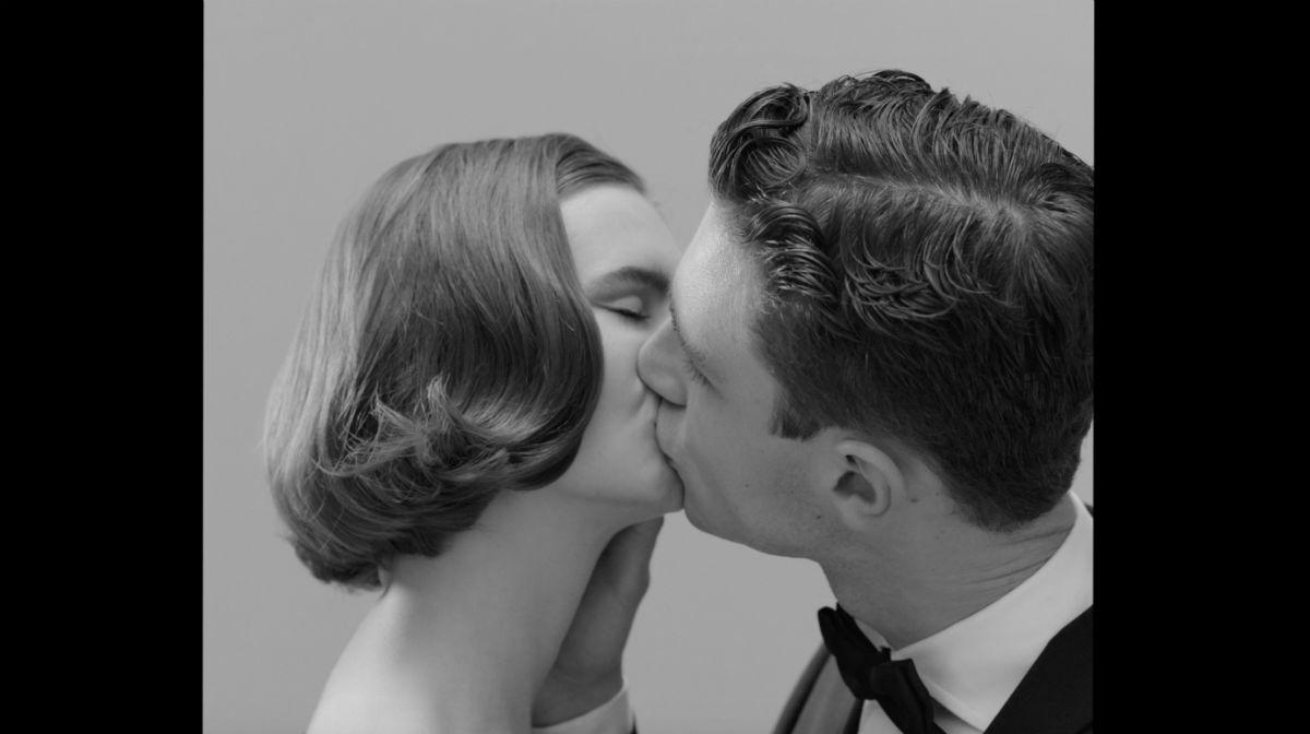 Pitti Immagine Uomo - Pitti93 - bacio tra uomo e donna