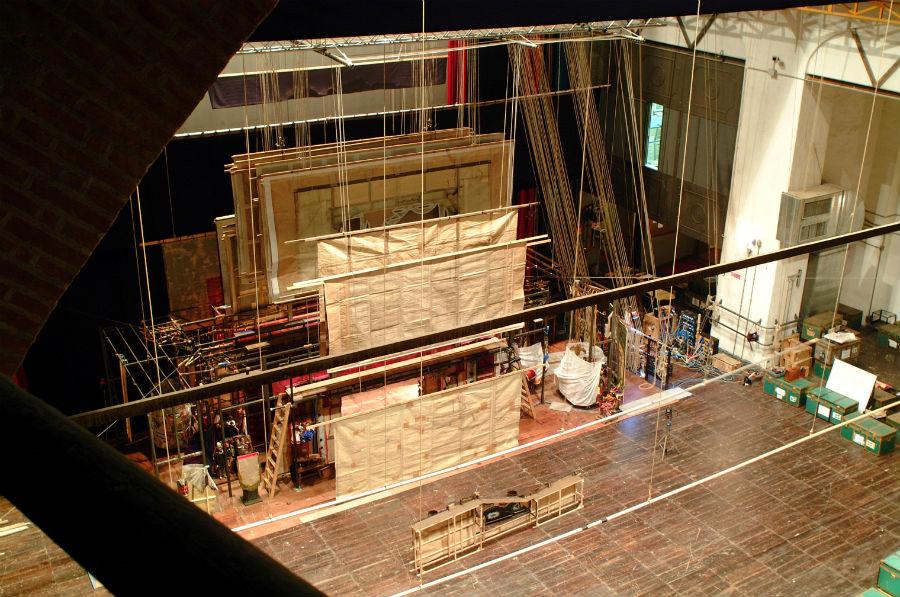 Eugenio Monti Colla: La struttura scenica del piccolo teatro vista dal palcoscenico