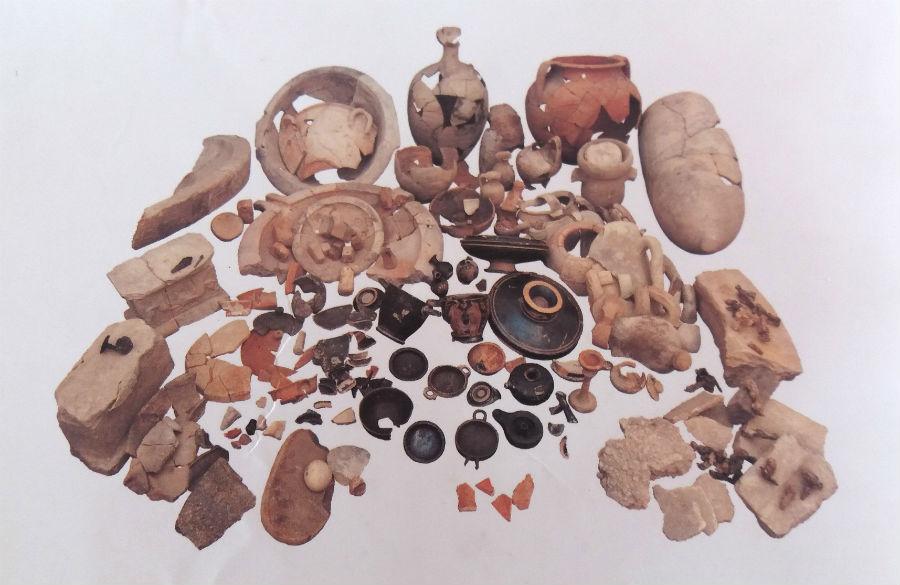 """Mozia - Materiali archeologici rinvenuti durante gli scavi """"copyright Missione archeologica a Mozia, Sapienza Università di Roma"""""""