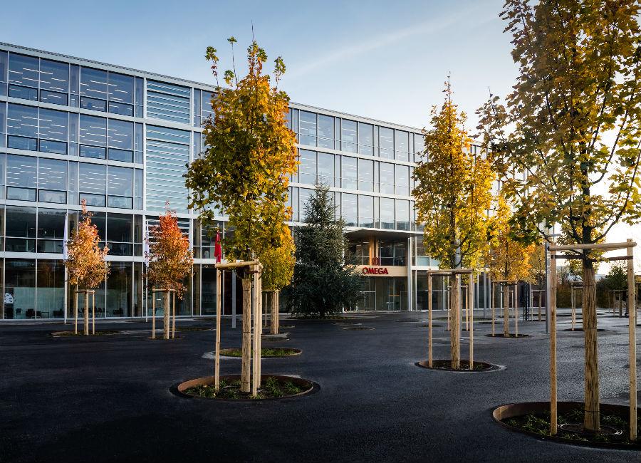 L'esterno della nuova manifattura Omega a Bienne, Svizzera