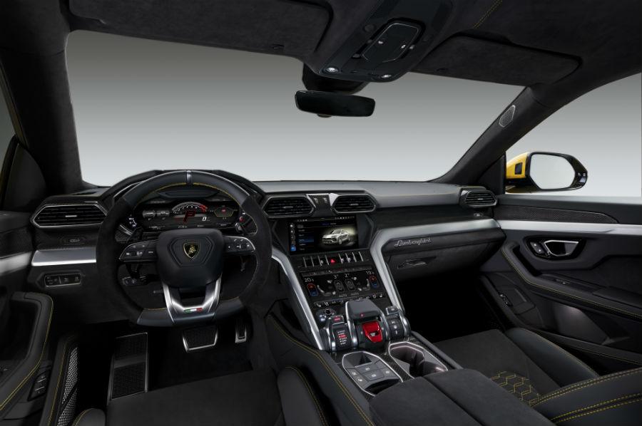 Lamborghini Urus - interni