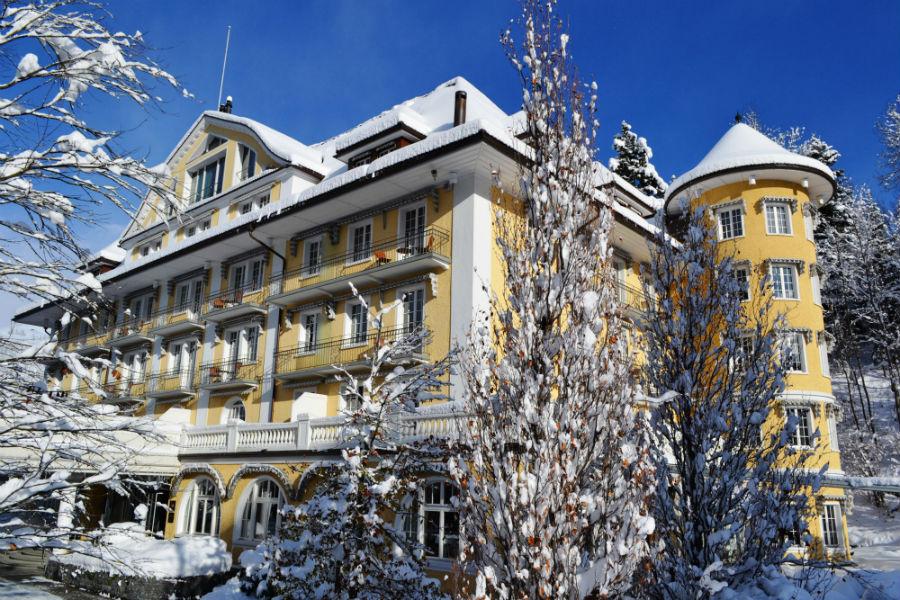Le Grand Bellevue - Veduta dell'hotel nelle stagioni invernali