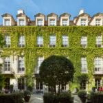 Il Pavillon de la Reine, un gioiello nel cuore di Parigi