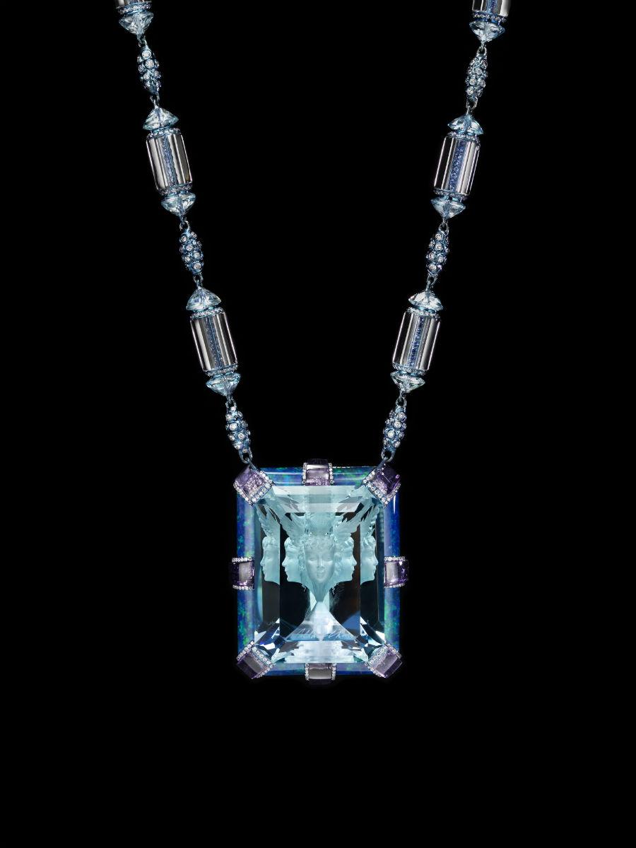 "Wallace Chan – Collana ""Now and Always"" (Wallace Cut), acquamarina 35.4 cts, ametista, diamanti, topazio azzurro, zaffiri calibrati rotondi e opale."