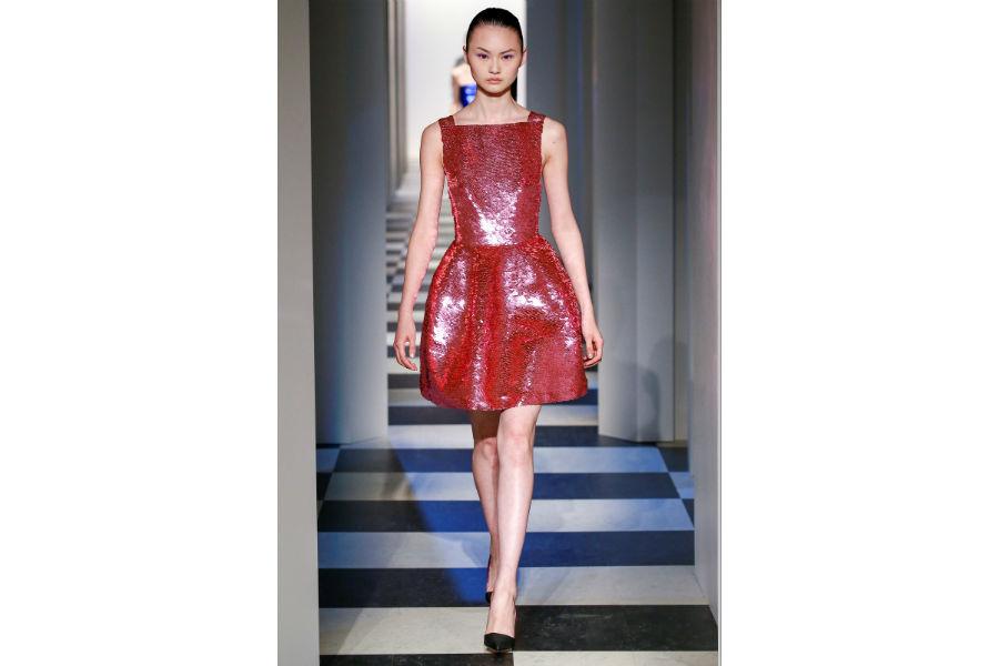 Natale - moda: proposta in rosso di Oscar De La Renta F/W 2017-2018
