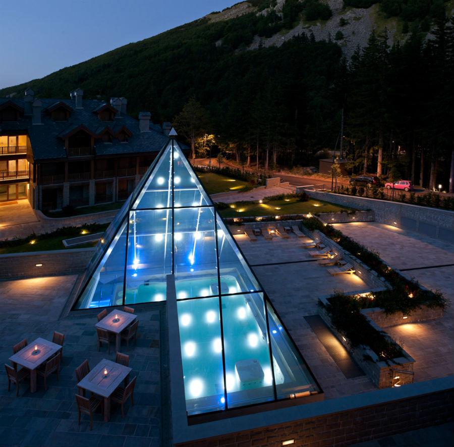 Val di Luce Spa Resort - Particolare della piramide di vetro a copertura della SPA
