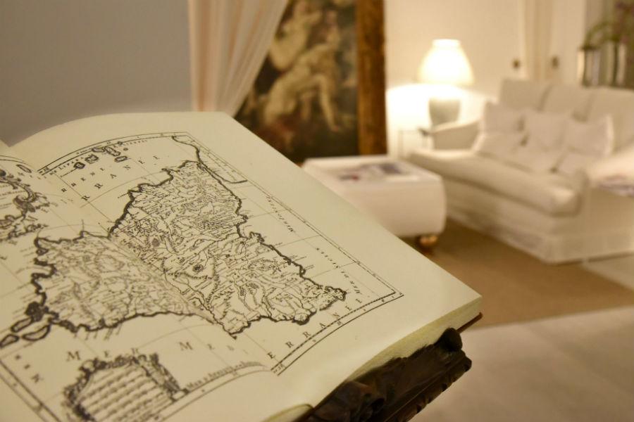 Castello San Marco Charming Hotel & SPA - Calatabiano, Sicilia: angolo di un salone