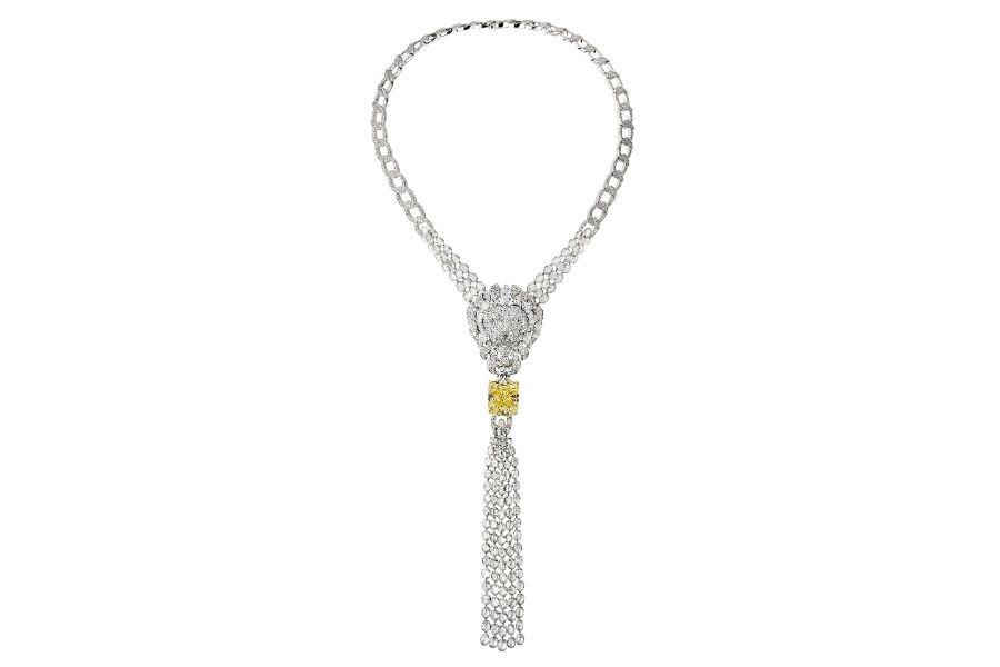 """Chanel - L'Esprit du Lion - Collana """"Legendary"""" trasformabile, in oro bianco e giallo con oltre 1.200 diamanti e un diamante giallo Fancy intense taglio cuscino di 30.19 carati."""