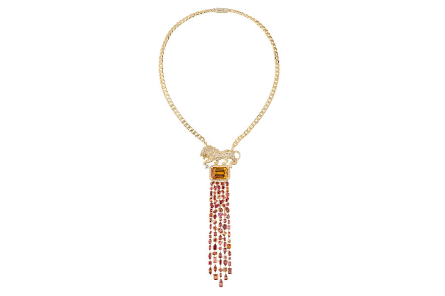 """Chanel - L'Esprit du Lion - Parure """"Passionate"""": Collana trasformabile, in oro giallo con topazio arancione taglio ottagonale di 29.65 carati, 1 diamante rotondo, 82 zaffiri multicolori a taglio fantasia e 942 brillanti."""