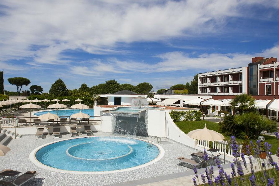 Terme Salus Hotel - Viterbo: Facciata dell'Hotel